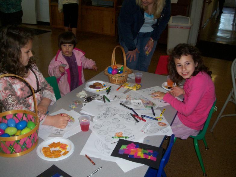 Easter Egg Hunt 09 Girls & Crafts
