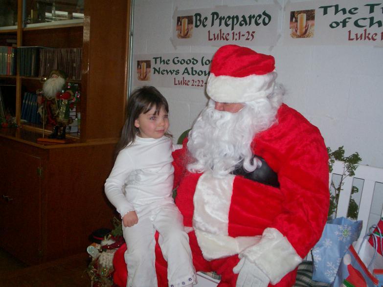 Chloee and Santa 2008